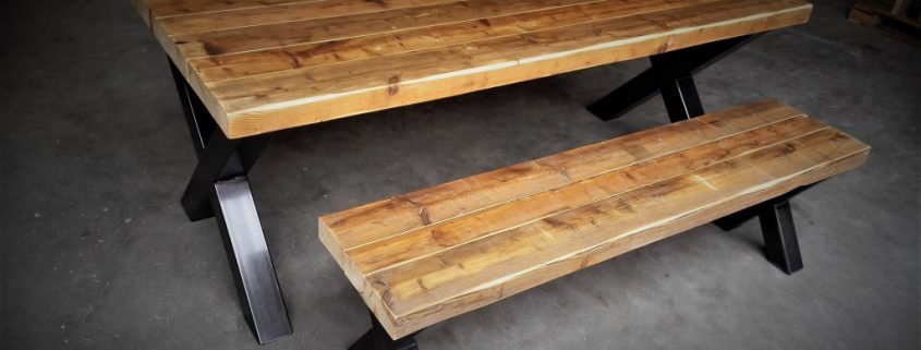 Industriele Tafel En Bank.Robuuste Tafel En Bank Met Industriele X Poten Wood Living